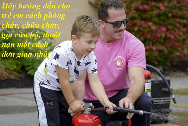 trang bị bình chữa cháy cho trẻ em