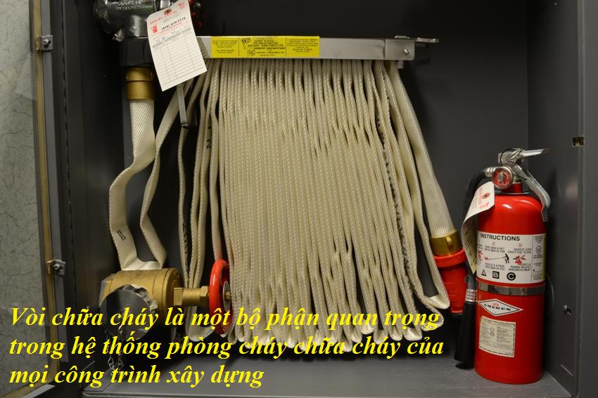 Vòi chữa cháy là một bộ phận quan trọng trong hệ thống phòng cháy chữa cháy của mọi công trình xây dựng